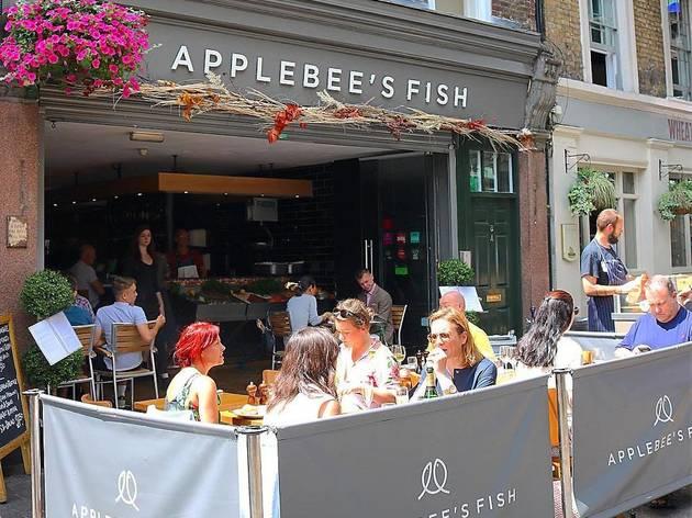 Applebees eating outside
